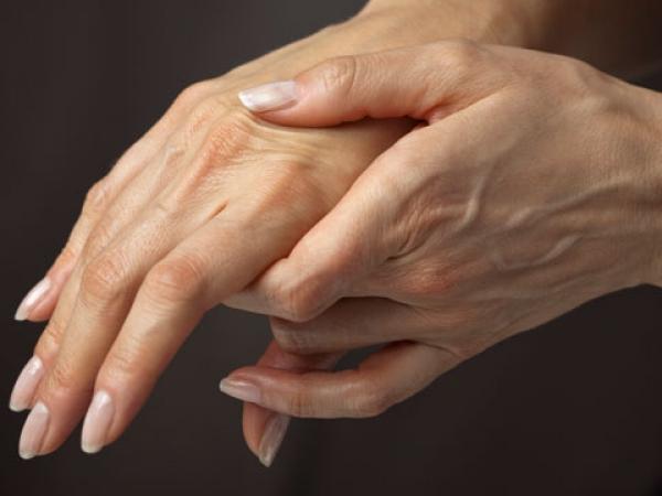 Ревматическая боль в суставах рук стоимость протеза коленного сустава